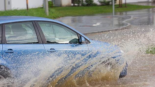 Klimamodelle deuten auf Niederschlagsextreme hin. iederschlagsextreme hin.